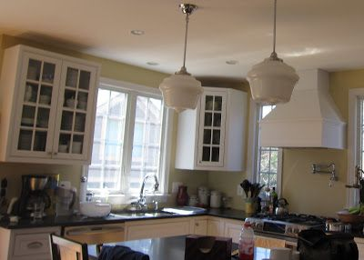 'floating' crown molding; does this look right? - Kitchens Forum - GardenWeb