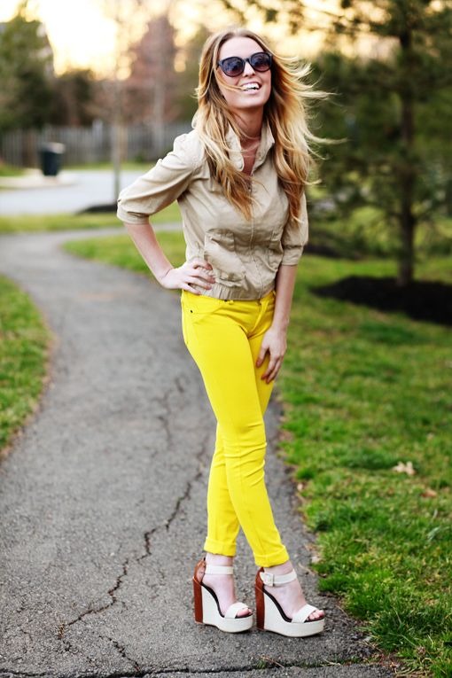 I'm loving the bright yellow jeans