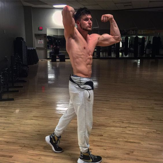 """Train to build vision within yourself. To see how far past FAILURE  you can go. How much discipline it takes you to overcome what you """"thought"""" you could never do. And finally to open your eyes on the goals you accomplish and keep accomplishing. YOU are the CEO of yourself and may you make smart choices with POWERFUL ACTIONS.  #arnoldpose #ClassicPhysique  #igphysiques #swoldier #aesthetics #shredded #AesthetixEra #fitness #fitfam  #aestheticarmy #workout #gymgrind #gym #physique #nodaysoff…"""