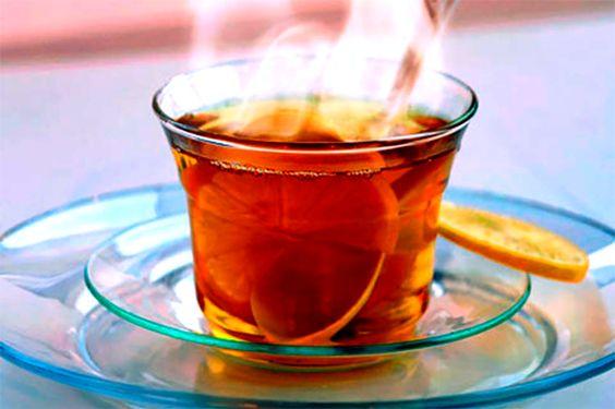 QUENTÃO Ingredientes: - 600ml de cachaça de qualidade - 900ml de água - ½ kg de açúcar - 1 maçã em pedaços - 50gr de gengibre em pedaços - Cascas de 2 laranjas - Casca de 1 limão - Cravo e canela de pau a gosto
