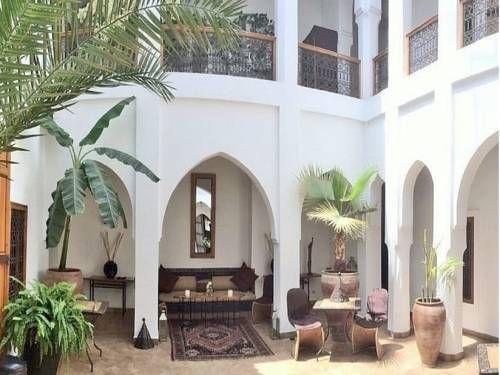 Riad Miski, Marrakech: Confirmación instantánea, mejor precio garantizado, fotos, reseñas, mapas e información del hotel. El Riad Miski se encuentra en el corazón de la medina de Marrakech y dispone de una terraza en la azotea con tumbonas, un baño turco y servicio de masajes. La plaza de Jamaa El Fna está a 7 minutos a