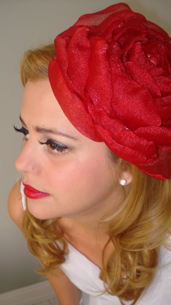 Vermelho também pode ! Casquete rosa única http://www.vejofloresemvc.com/
