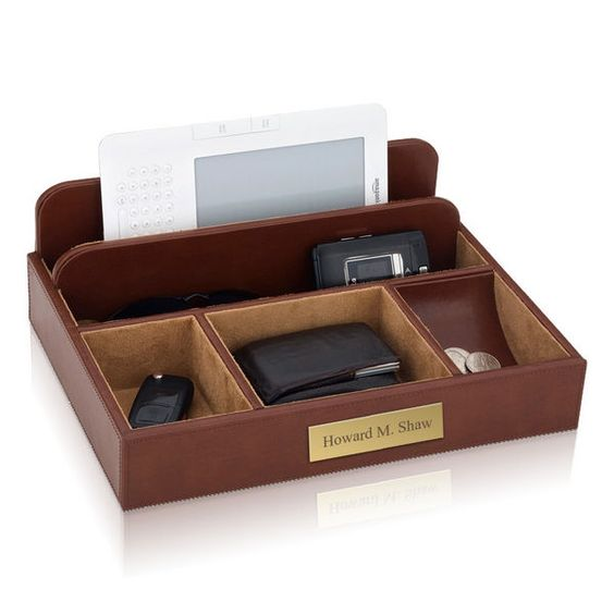 Personalized Brown Leather upto 65% off  Men's Valet   WAUCUST949301    http://woodartsuniverse.com/catalog/product_info.php?products_id=684   #freeshipping #sale