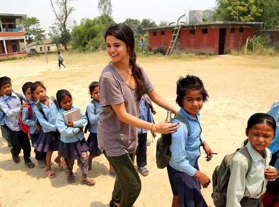 selena gomez helping doing charity work