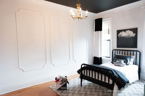 Wall paint glidden marshmallow white flat ceiling paint for Flat black wall paint