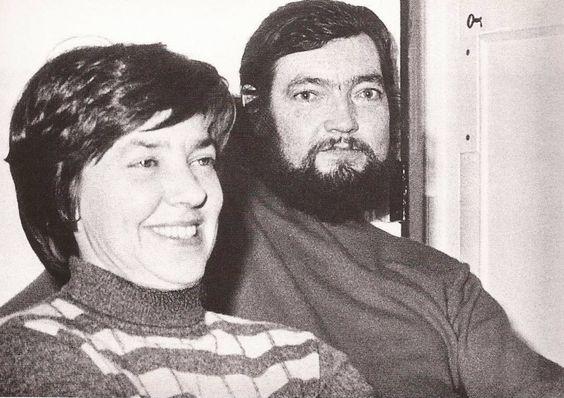 París, 1974. María Helena Walsh, Julio Cortázar. Foto de Sara Facio.: Julio Cortazar, Maria Elena, Helena Walsh, Cortázar Argentina