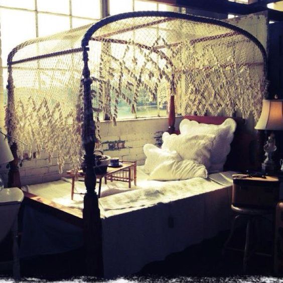 1800s canopy bed...I WANT THIS: 3/4 Beds, 1800S Canopy, Home Sweet Home, Dream House, Canopy Beds, 1800S Inspiration, Downton Abbey