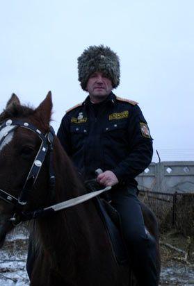 Казачий атаман Валерий Попов  из Курганской области до сих пор находиться в застенках СБУ http://gazeta45.com/vlasti_politica/kazachij-ataman-iz-kurganskoj-oblasti-do-six-por-naxoditsya-v-zastenkax-sbu.html