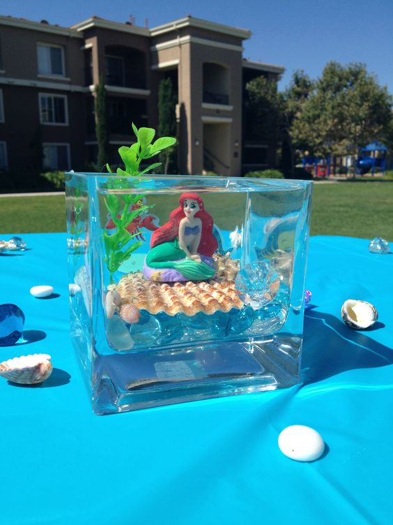 Little mermaid centerpiece jessica this would be cute for Little mermaid fish tank decor