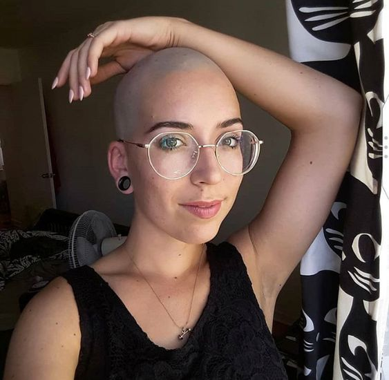 Getting Rid Of All That Long Hair Was A Good Decision Bald Head Girl Woman Shaving Bald Girl