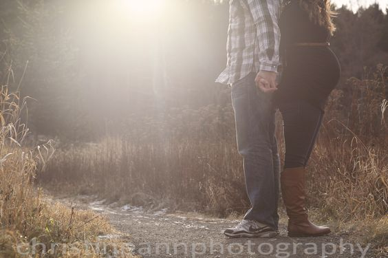Maternity photography pose golden hour. #Maternity #Pose #Golden #Hour #Duluth #Hermantown #MN #Hartley #Nature #Center