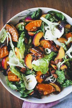 recetas-de-ensaladas-con-duraznos-almendras-y-lechuga