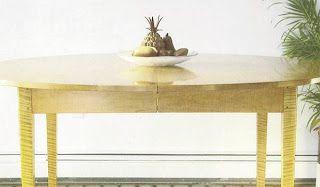 Ah! E se falando em madeira...: Mesa oval extensivel