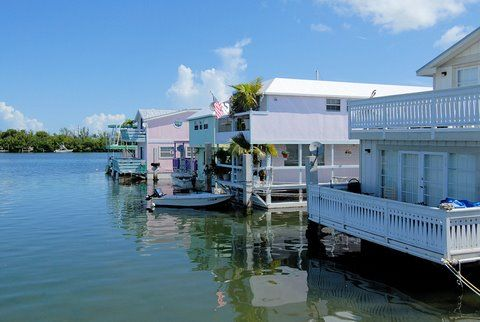 Water neighborhood of Key West House Boat Row.... I'd love to live in one at Garrison Bite!