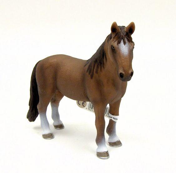 Tennessee Walker Mare Horse by Schleich