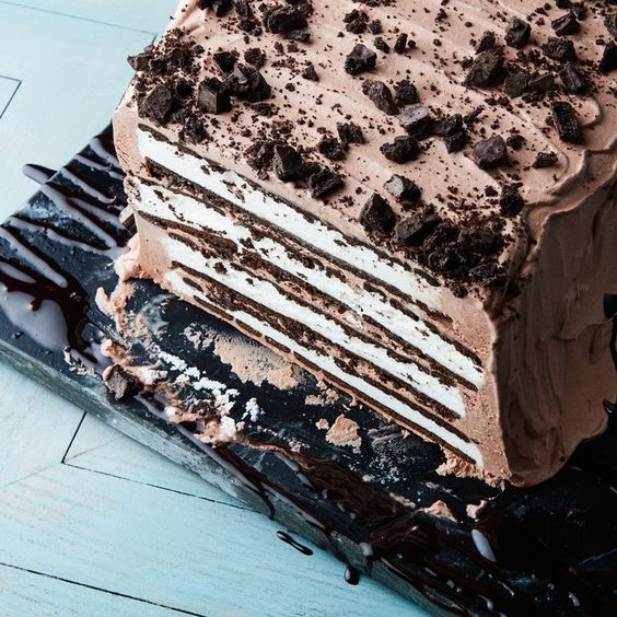 Mint-Chocolate Ice Cream Sandwich Cake: