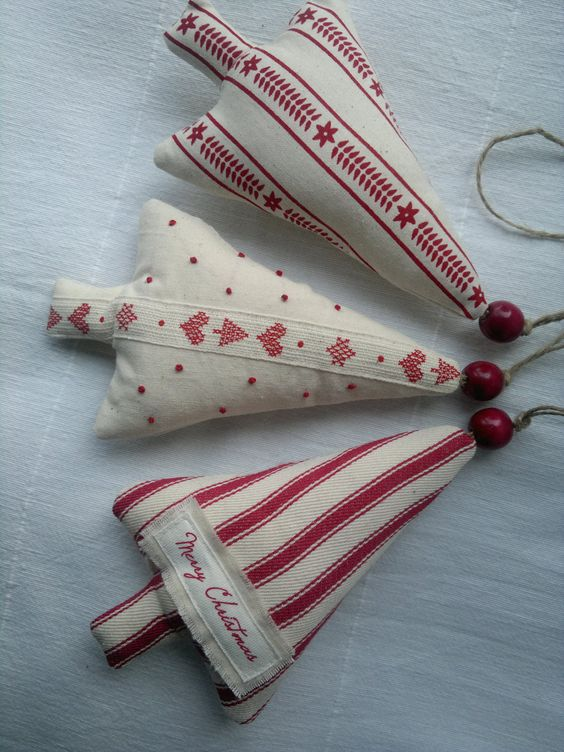 Set of three red and white christmas tree fabric ornament for White tree red ornaments