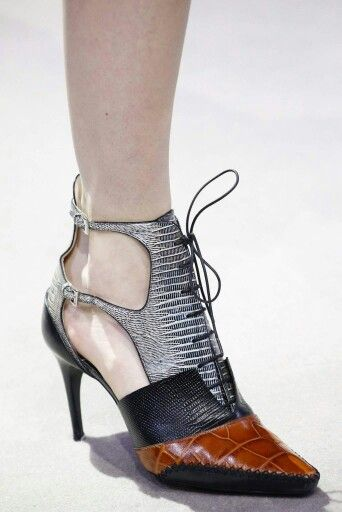 Dior Shoes 2017