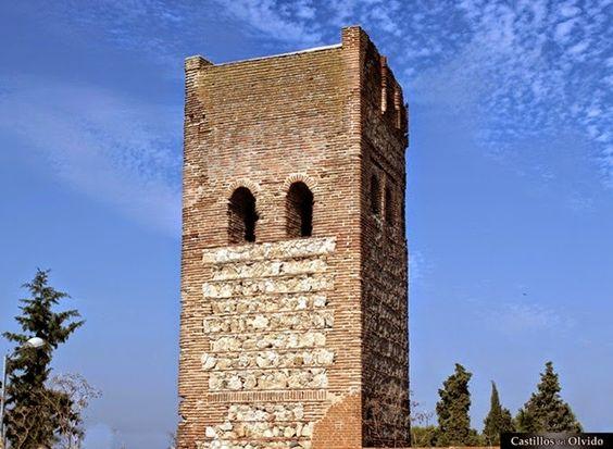 Muralla de Maqueda Los restos de la muralla de Maqueda se encuentran en la localidad del mismo nombre, en la provincia de Toledo, comunidad de Castilla La Mancha, (España). Mas información: http://castillosdelolvido.es/muralla-de-maqueda/