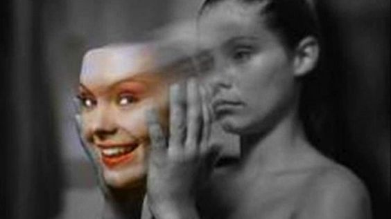 emociones-mujer-feliz-triste-mascara-careta