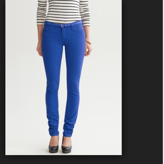 Banana Republic Skinny Jeans Pretty blue color, worn only a few times. Banana Republic Jeans Skinny
