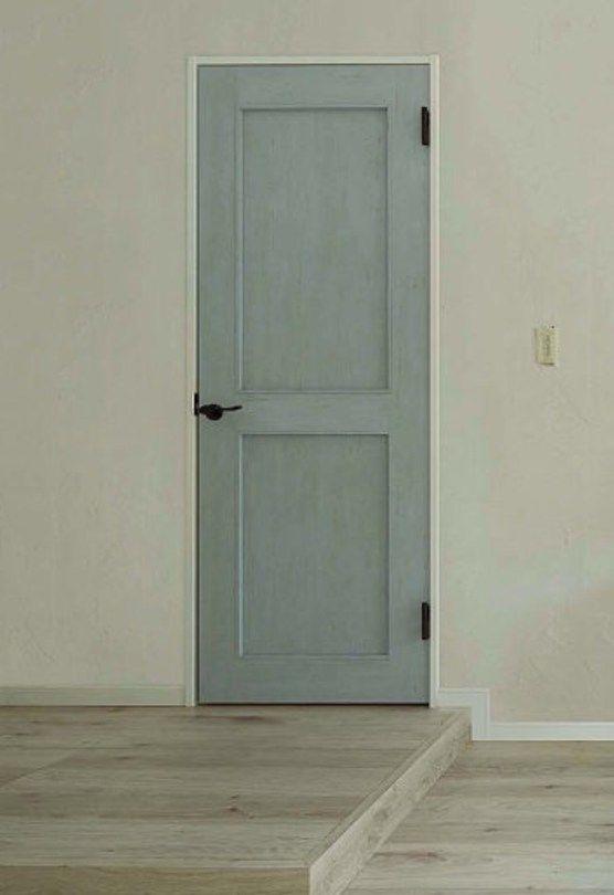 室内ドアはリクシル 水色ブルーペイントでおしゃれなリビングドアに