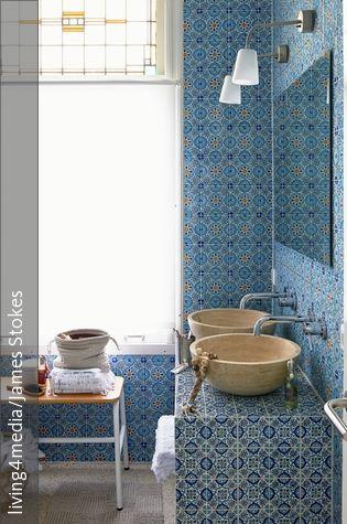 Orientalisch einrichten mit einem Mix aus Farben, Mustern und hochwertigen Materialien!
