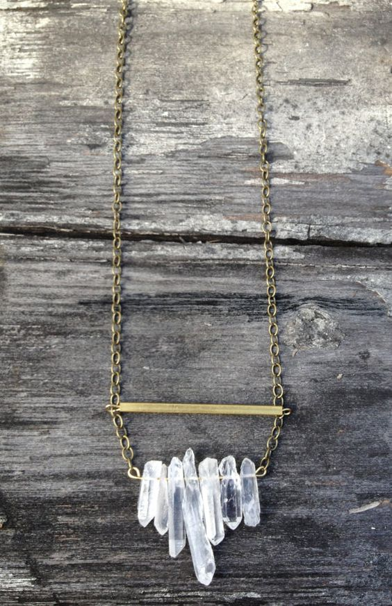 Raw Brass & Clear Crystal Quartz Necklace - Gift Boxed sur Etsy, 31,79 €