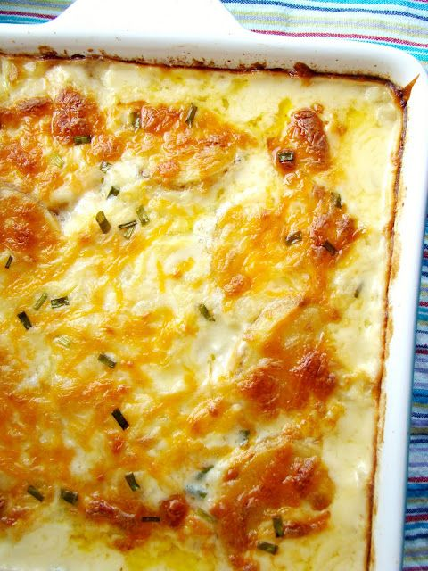 cheesy scalloped potatoes... goin' Midwestern with this one