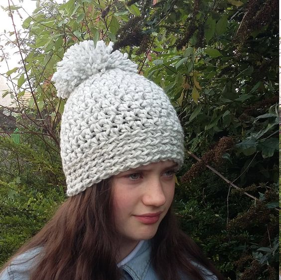 Whiter winter ladies hat
