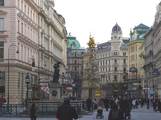 Wien Grabenstraße mit Pestsäule by Rol1000, via Flickr