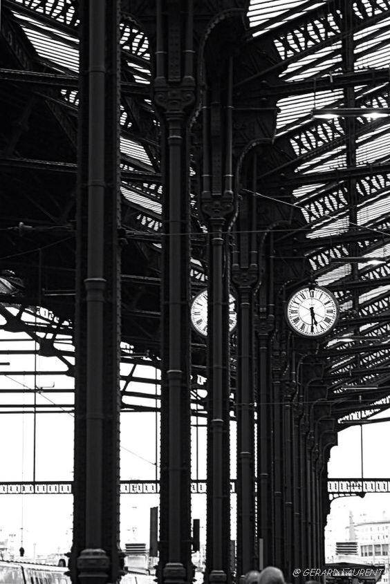 Paris - 12ème arrondissement  17h30 sur le quai, gare de Lyon