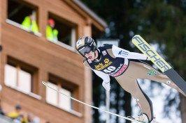 Skispringer Roman Koudelka beim FIS Skispringen Welt Cup in Engelberg / Schweiz | Fotojournalist Kassel http://blog.ks-fotografie.net/pressefotografie/fis-skispringen-engelberg-schweiz-fotografiert/