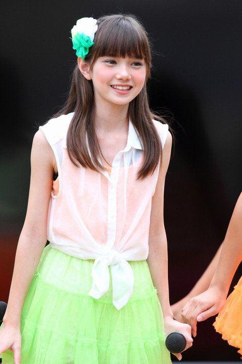 黄緑スカートのマーシュ彩