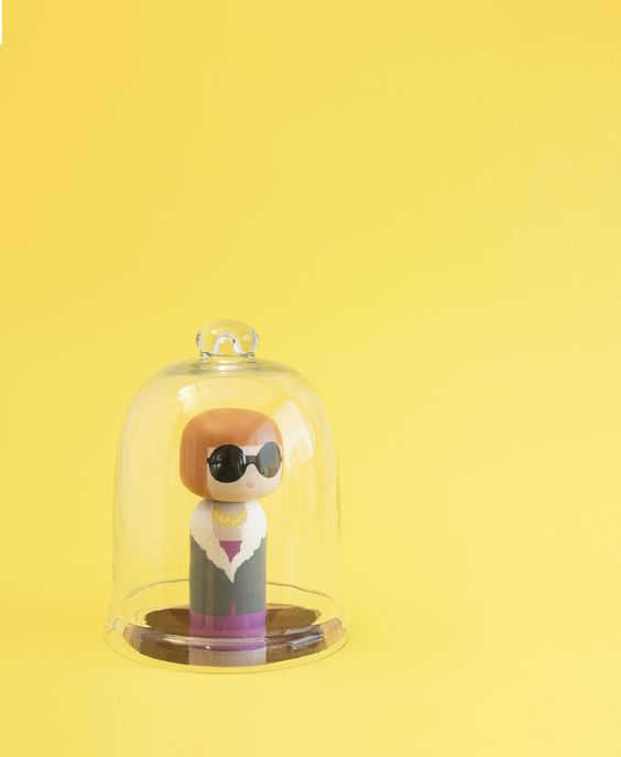 Product Styling - Anna Wintour Kokeshi doll - Sketchinc: