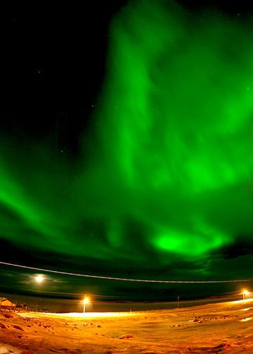 iqaluit nunavut northern lights