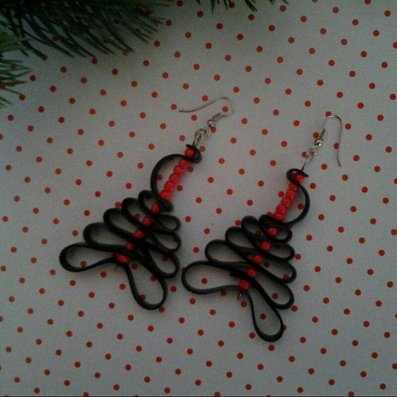 Vrolijke oorbellen voor de kerstdagen.