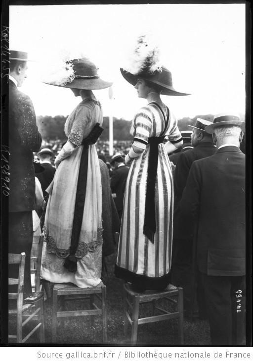 Titre : 19-6-11, toilettes à Auteuil : [photographie de presse] / [Agence Rol] Auteur : Agence Rol. Agence photographique Date d'édition : 1911