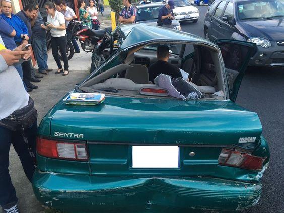 Videos grabaron aparatoso accidente de bus contra carro