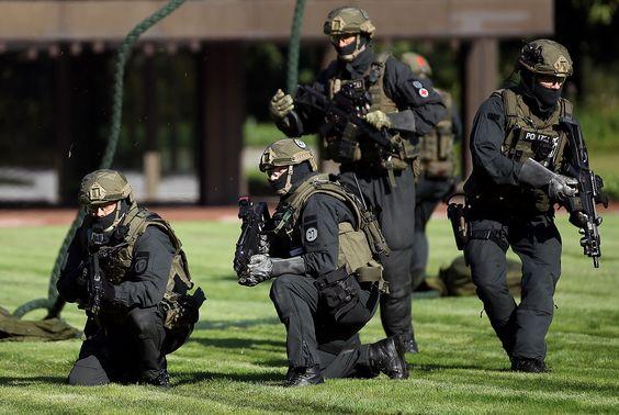 GrenzSchutzGruppe 9 - GSG 9 der Bundespolizei (2088×1403) #GSG9 #Military