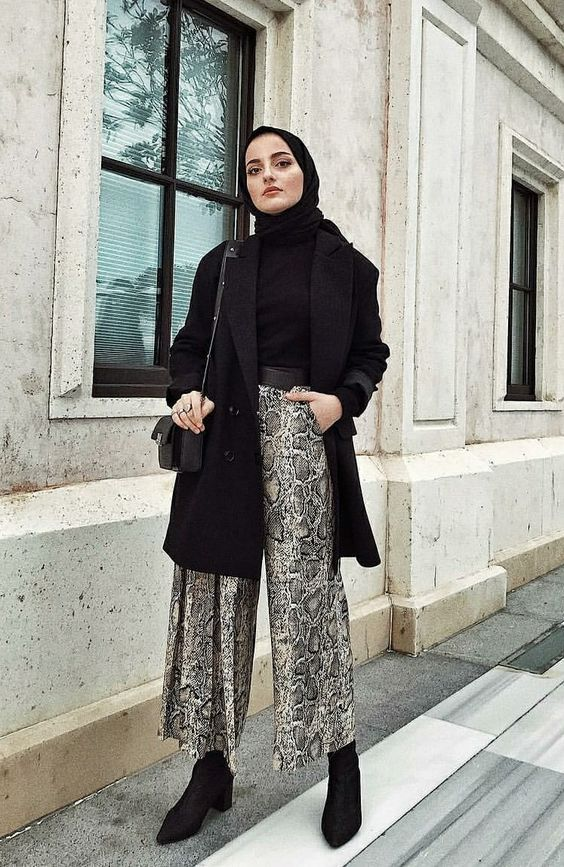 The Most Stylish Hijab Street Style Looks You Can Copy - Hijab-style.com,  2020 | Başörtüsü modası, Islami moda, Klasik moda