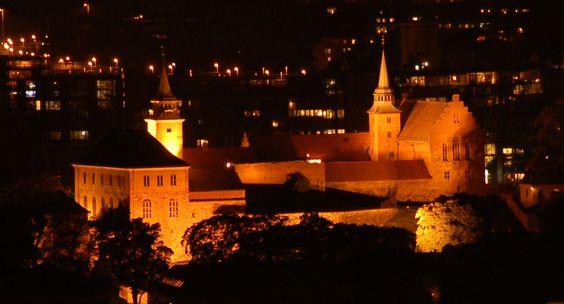 http://no.wikipedia.org/wiki/Akershus_slott_og_festning