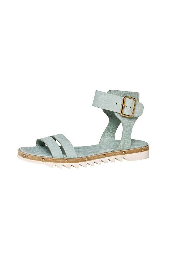 Мода без жертв - сандалии от AGL