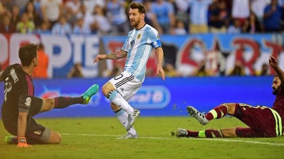 Argentina venció 4-1 a Venezuela y avanzó a semifinales de la Copa América -> http://soloparatiradio.com/?p=10425