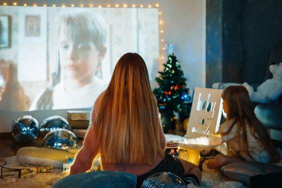 новогодняя фотосессия в виннице, идеи для новогодней фотосессии , новогодняя съемка, новорічна фотосесія в вінниці, студійна зйомка вінниця, фотосесія в вінниці, зйомка в вінниці, фотограф вінниця, фотограф винница, ідея для новорічної зйомки, фотостудія вінниця, студія вінниця, семейная съемка, новогодний фильм, просмотр новогодних фильмов, один дома, кинозал, просмотр фильма на проекторе, новогодний вечер дома за просмотром новогодней кинокомедии один дома