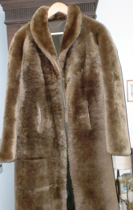Fur coat dark braun sheared sheapskin size between S and M - http://goo.gl/67bKSX