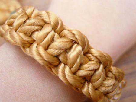 Home-Dzine - Macrame bracelet