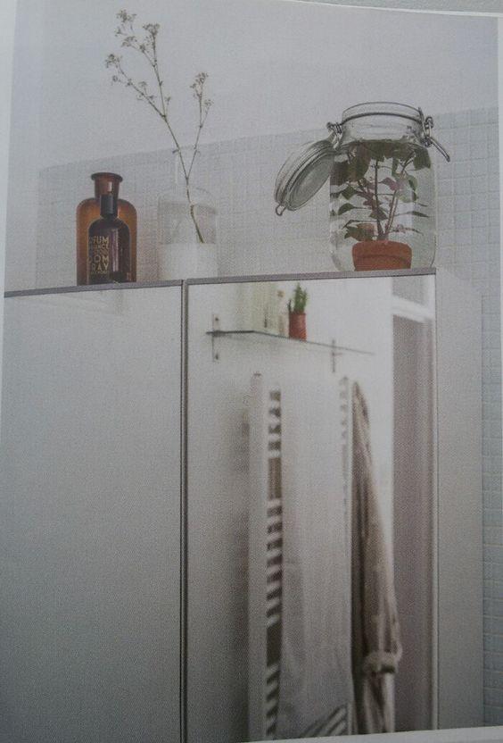 Waterplant in glas, badkamer/water plant in glass, bathroom ...