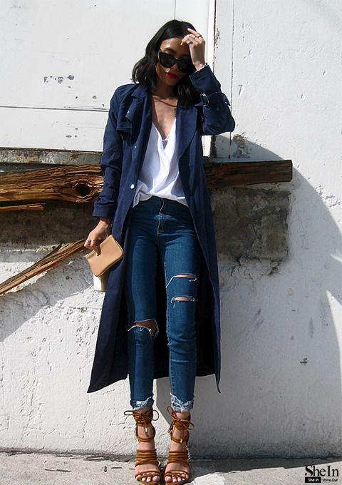 jeans rasgado levemente