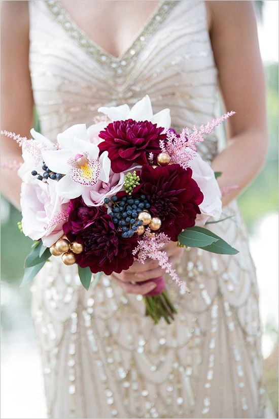 Deep red and white bouquet @weddingchicks